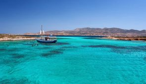 04. Round of Antiparos & Despotiko with traditional boat
